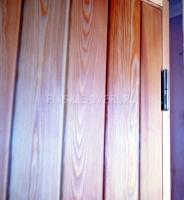 Утепленная деревянная дверь для бани