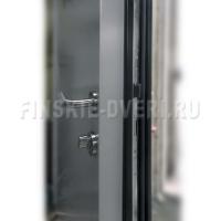 деревянные двери частного дома